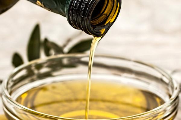 Olio extravergine di oliva a digiuno al mattino fa bene?