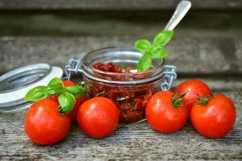 come preparare i pomodori secchi sott'olio secondo la ricetta calabrese