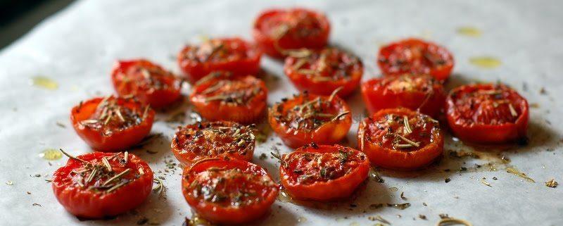 come preparare i pomodori confit al forno sott'olio