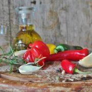 Ricetta per preparare olio di oliva aromatizzato all'aglio