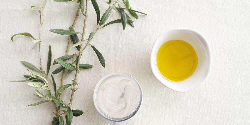 L'olio di oliva nella cosmesi: crema per il corpo e idratante per il viso