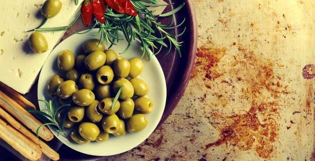 Come preparare e conservare olive schiacciate