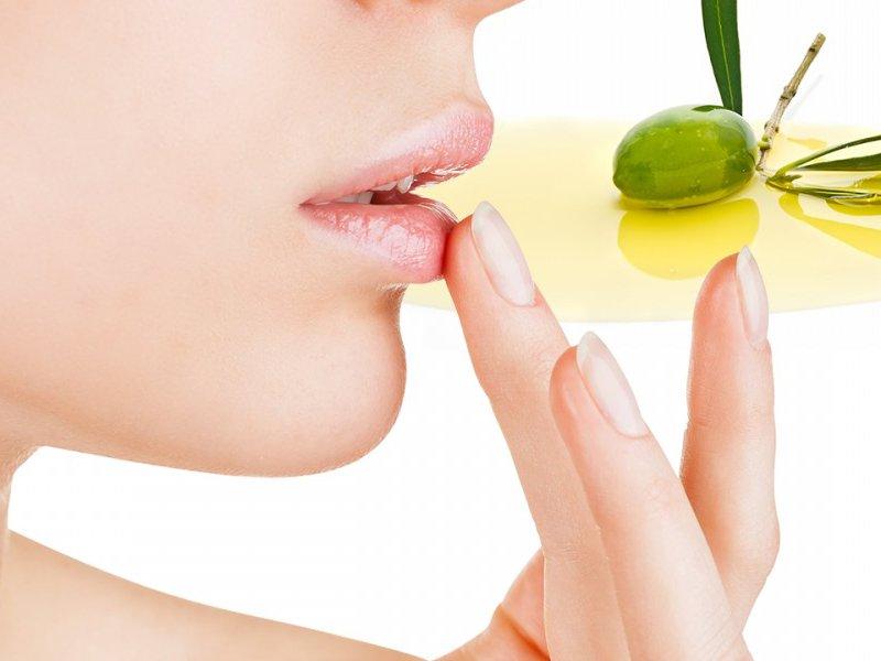 Olio di oliva e zucchero per viso e labbra