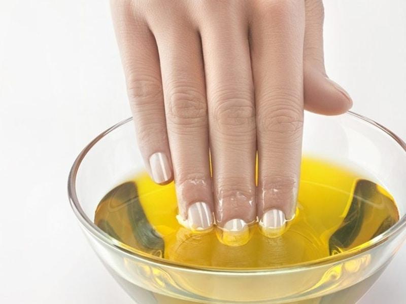 Olio Evo: rimedio naturale per la cura delle mani screpolate!