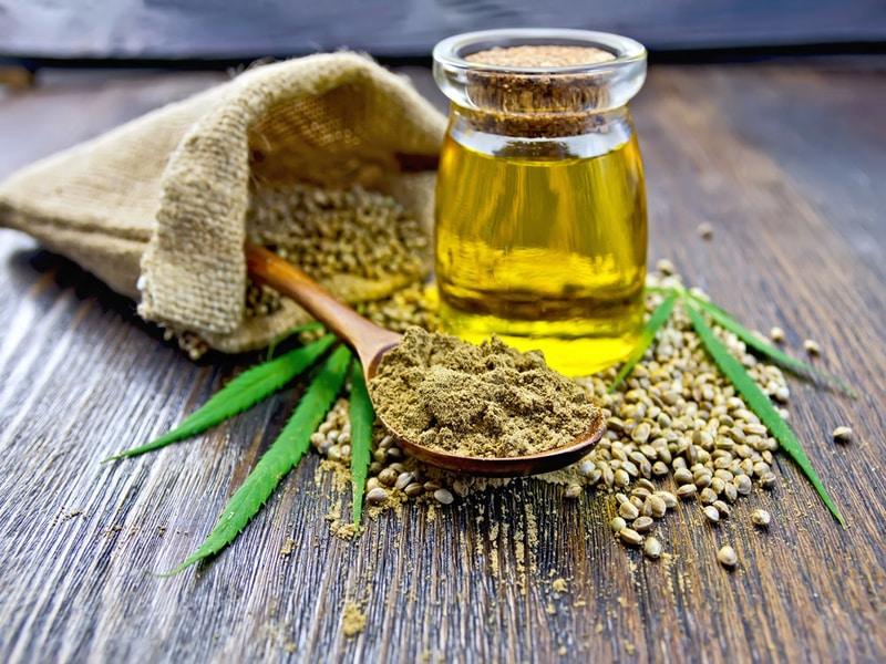 Olio Evo e Olio di Canapa: benefici e proprietà a confronto