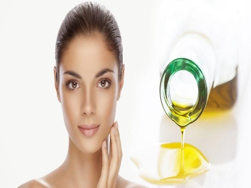 L'Olio di Oliva: un metodo naturale per schiarire la nostra pelle