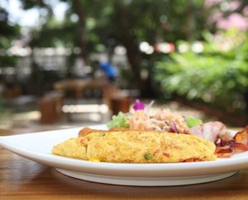 Omelette con Patè di Olive Nere: ricetta pronta in pochi minuti
